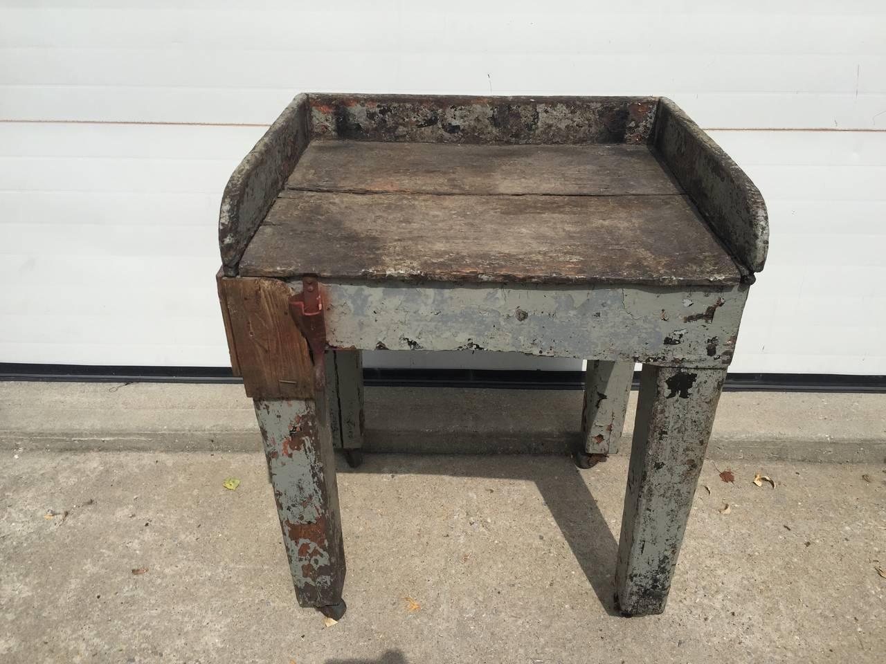 rustic folk farmhouse side table with hook