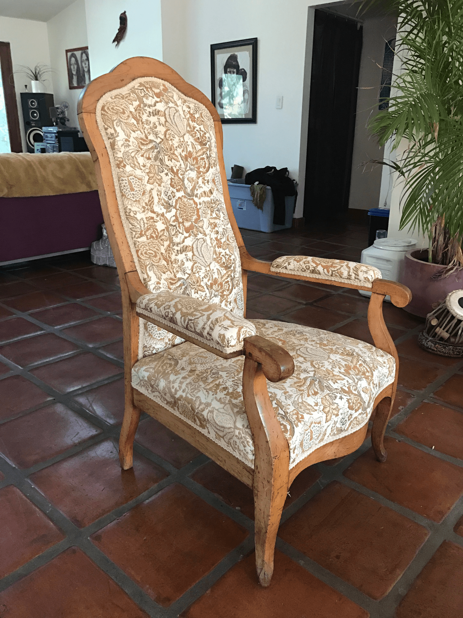 Accent Chairs Arms Under 100