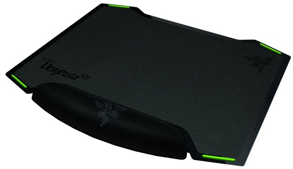 Razer Vespula Dual-Sided - best inexpensive mouse pad