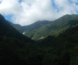 広河原から望む北岳稜線
