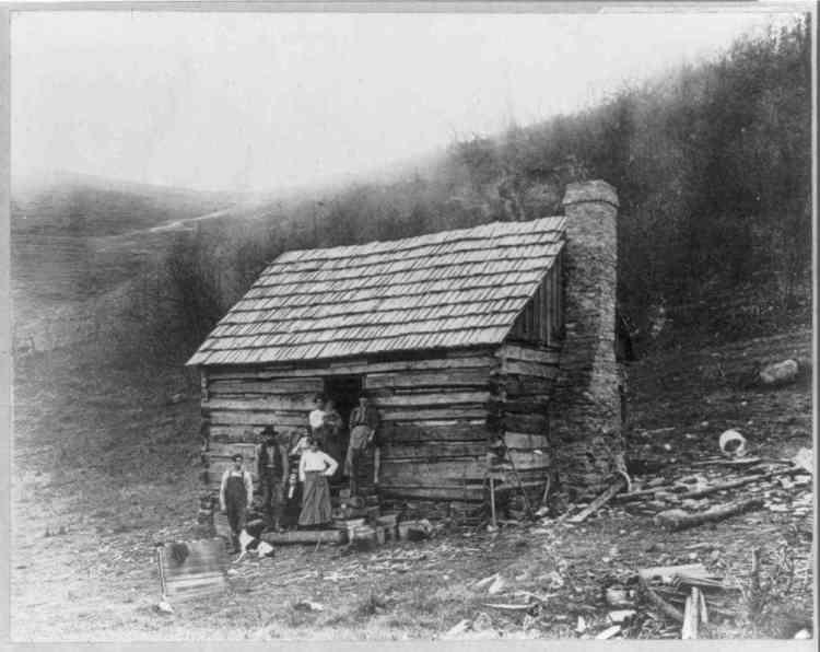 cabana de madeira antiga foto em preto e branco