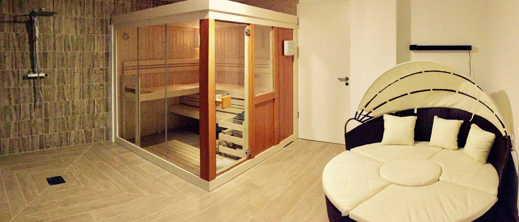 Sauna schwimmbad und whirlpool chalet azurestia - Sauna whirlpool ...