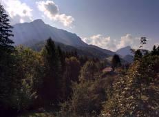 Vue de balcon avec Le Pinet / Le Truc. View from the balcony of Mount Pinet
