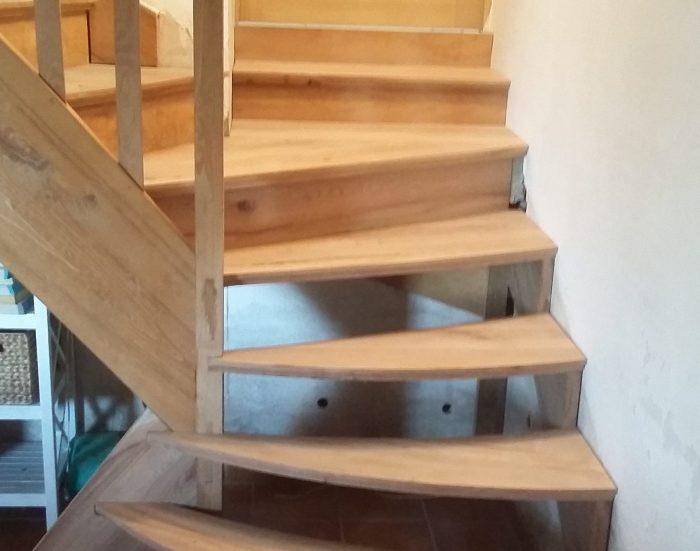 Escalier 1/4 tournant en orme aprés modification