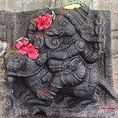 सवाहन गणेश, कर्नाटकातील तळकाडुच्या वैद्येश्वर मंदिरातील शिल्प