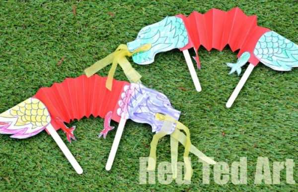 Chinese New Year Dragon Puppet Printable from redtedart.com