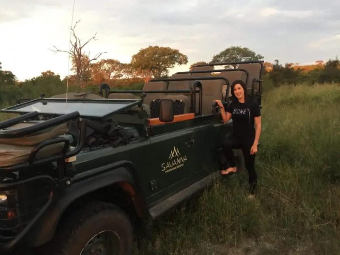 Drinks break on safari Savanna lodge