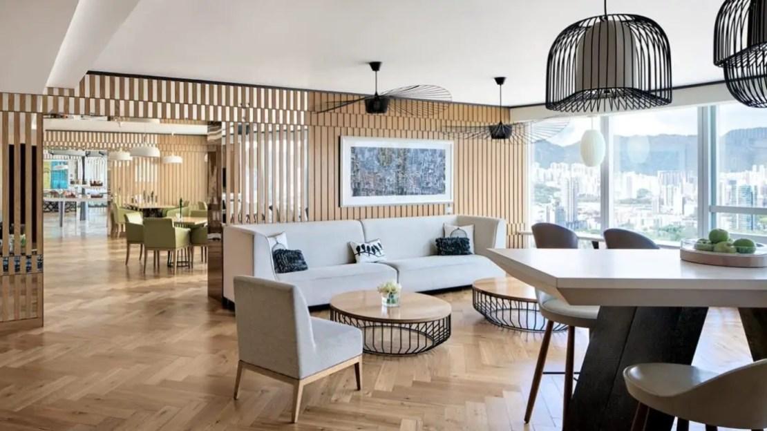 club lounge cordis hotel