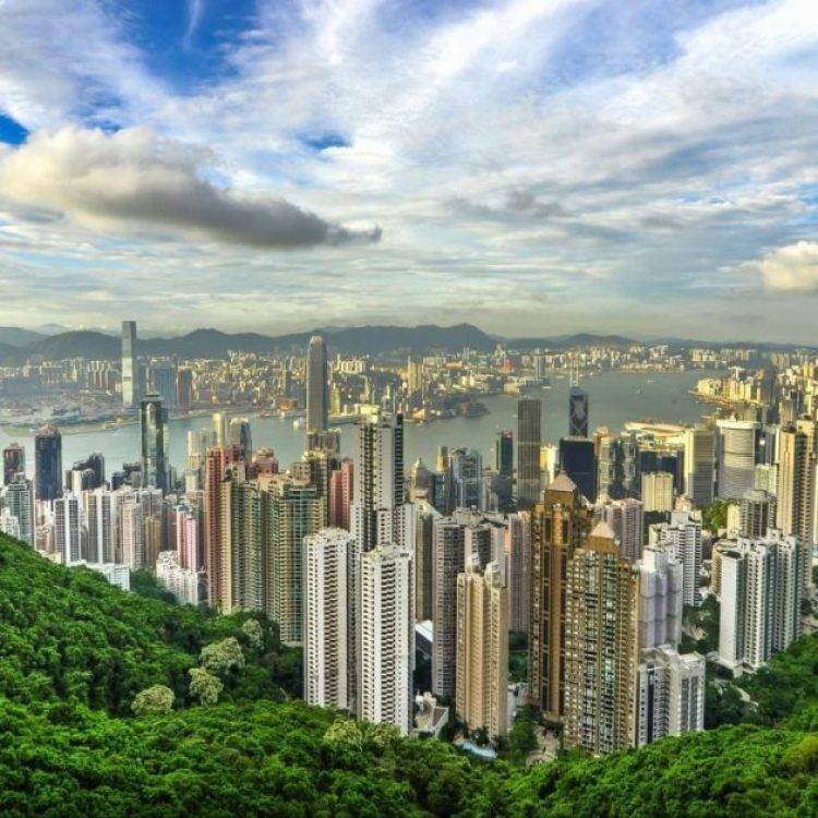What the Victoria peak should look like