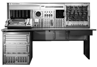 The Telefunken RA 770 analogue computer.