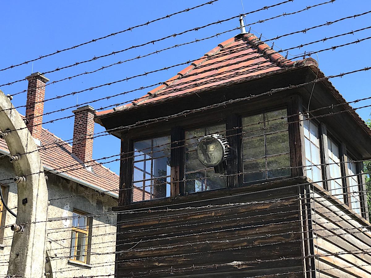 Chalkmarks Auschwitz