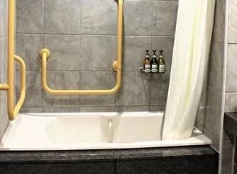 【箱根小涌園 天悠】ユニバーサルデザインルームの客室風呂