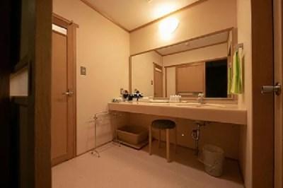 由布院温泉 日の春旅館 客室の洗面所
