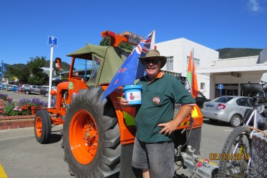 Steve the star bucket shaker in Picton