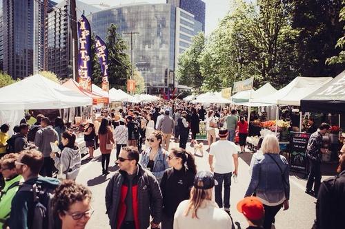 EventPhotoFull_SLUSatMarket_OpeningDay Events Around Lake Union in May