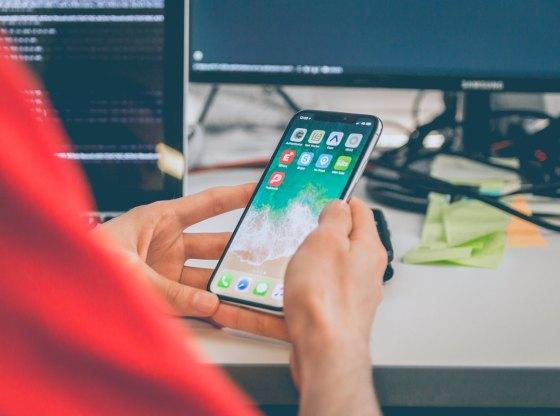 Làm thế nào để quản lý việc sử dụng điện thoại của con?
