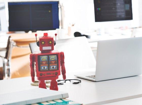 Học gì để không thể bị robot thay thế?