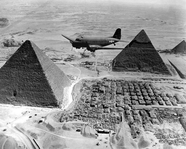 https://i2.wp.com/chamorrobible.org/images/photos/gpw-20040823-UnitedStates-DefenseVisualInformationCenter-HD-SN-99-02674-Air-Transport-Command-airplane-flies-over-The-Pyramids-during-World-War-II-Egypt-1943-medium.jpg?resize=600%2C479&ssl=1