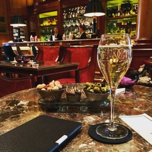 Le Bar in the FOUR SEASONS GEORGE V hotel - Champagne Travels Blog