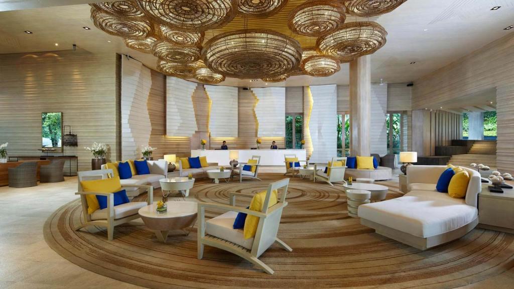 Champagne Travels in Phuket Thailand at Amari Resort