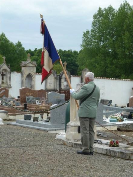 8 Mai 2015 - Porte drapeau