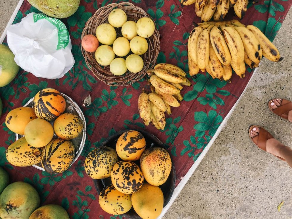 Best Bites in Bora Bora - Roadside Fruit Stand