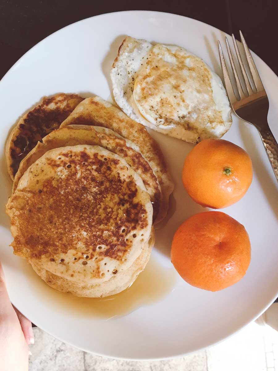 What a dietitian eats in a week - pancake breakfast with clementine oranges