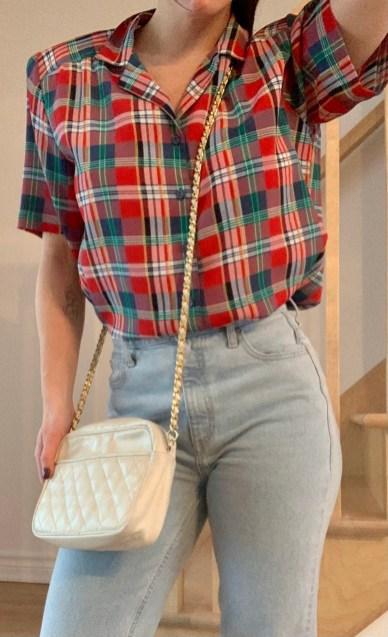 Cette chemise 70s et ce sac