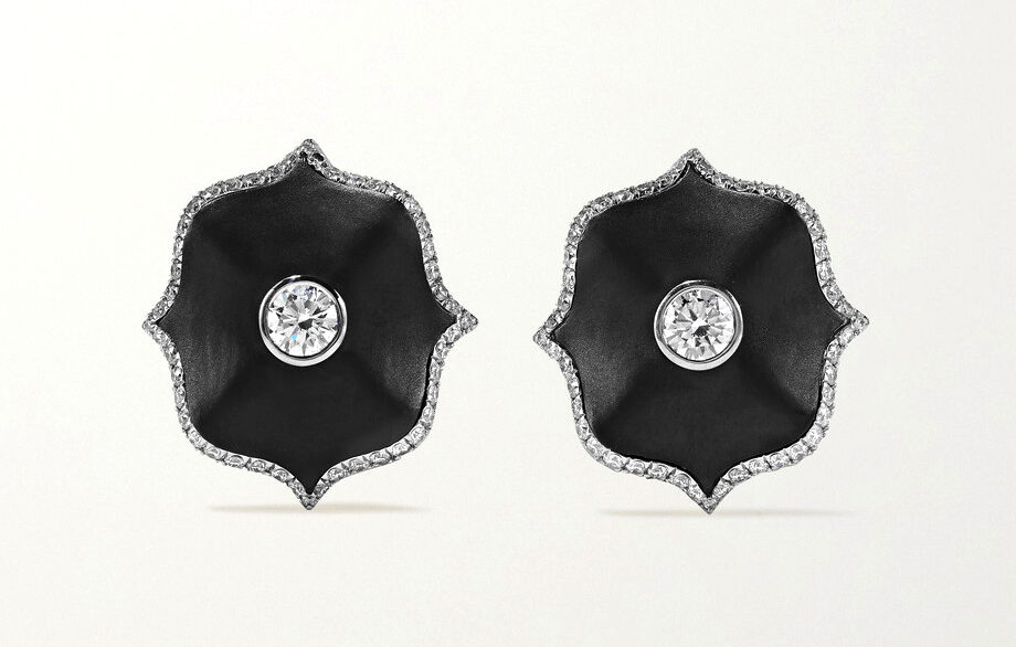 BAYCO - DIAMOND & CERAMIC EARRINGS