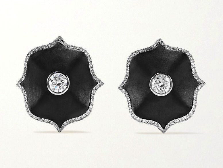 BAYCO - DIAMOND & CERAMIC EARRINGS