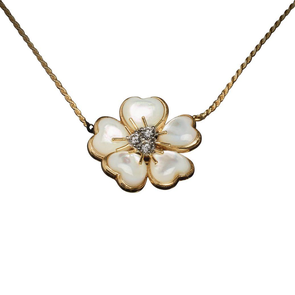 VESCHETTI - PETITES FLEURS NECKLACE IN WHITE MOTHER OF PEARL
