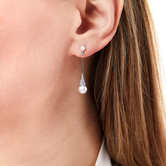 "YOKO LONDON - ""SLEEK"" AKOYA PEARL & DIAMOND EARRINGS QYE2194-7X"