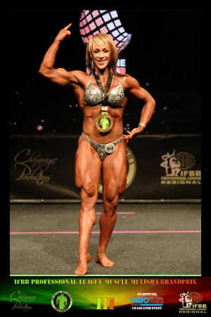 MMGPIII Women's Physique Winner - Suzaan Du Plessis