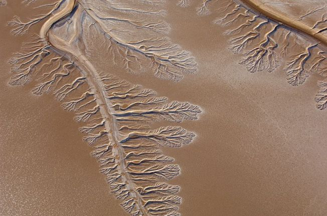 Colorado River Dry Delta, terminus of the Colorado River in the Sonoran Desert of Baja California and Sonora, Mexico, ending about 5 miles north of the Sea of Cortez (Gulf of California). Photo: Peter McBride USGS / Wikipedia