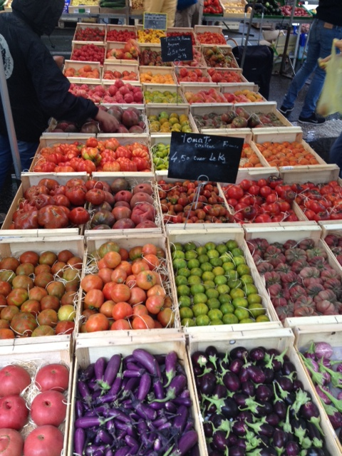 Farmers market in France - a single table with 15 tomato varieties from a single organic farmer. All photos: PKR