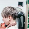 メンズグレーシルバーのヘアカラースタイル