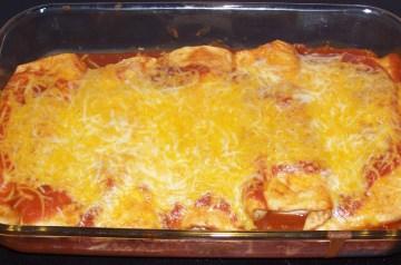 Gringo Enchiladas (Turkey With White Sauce)
