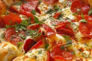 Cheese Lovers Pepperoni Pizza Bread Sharp Style