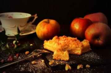 Aunt Mary's Apple Cake