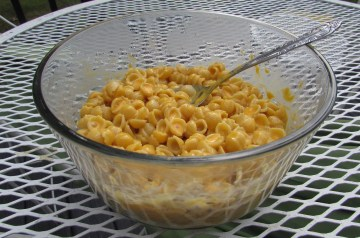 Broccoli and Cheddar Macaroni and Cheese