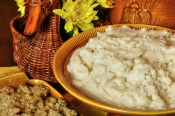 Caramelized Onion and Coarse-Grain Mustard Mashed Potatoes