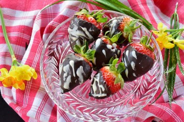 Fruit Salad With Blueberry Glaze and Dark Chocolate Curls