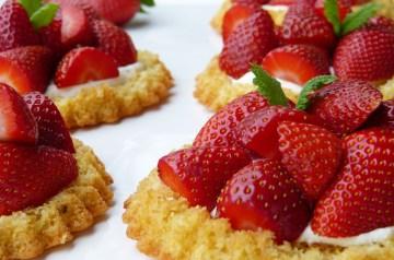 Awesome Strawberry Banana Trifle - Sugar Free!!