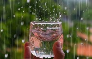 Uống trực tiếp nước mưa có an toàn?