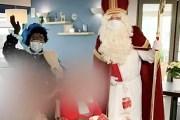 Ông già Noel 'siêu lây nhiễm' COVID-19