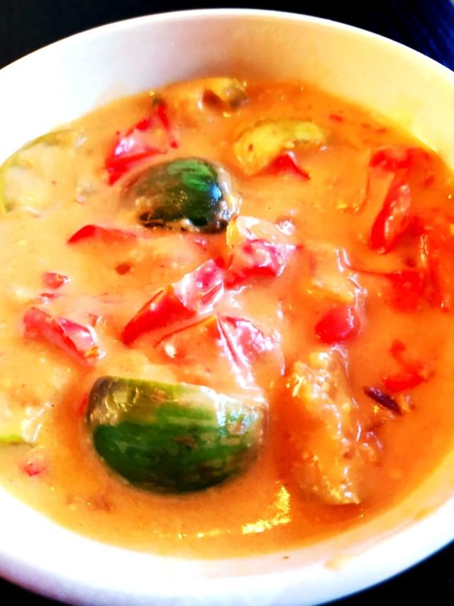 curry de mini aubergines thai