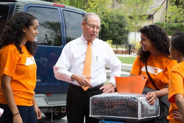 Chancellor Cheek greets volunteers during Friday's move in