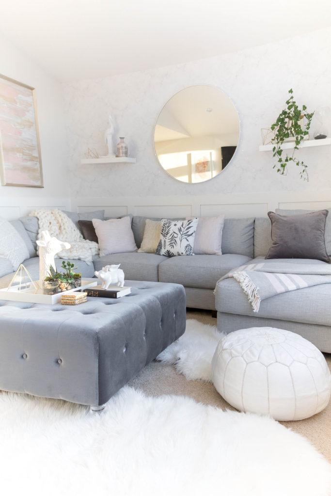 61 Family Friendly Living Room Interior Ideas: Light And Bright Kid-Friendly Living Room • Grey, Gold And