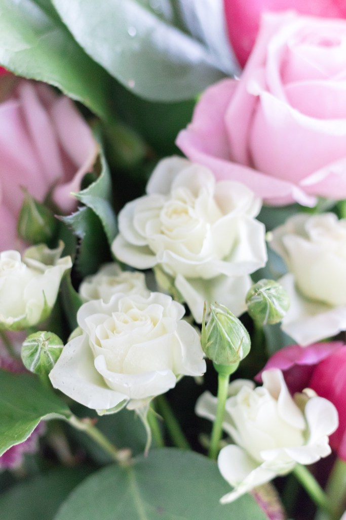 Such a gorgeous fresh bouquet included in my Valentine's Day bar styling