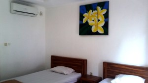 Twin room with air conditioning in Legian